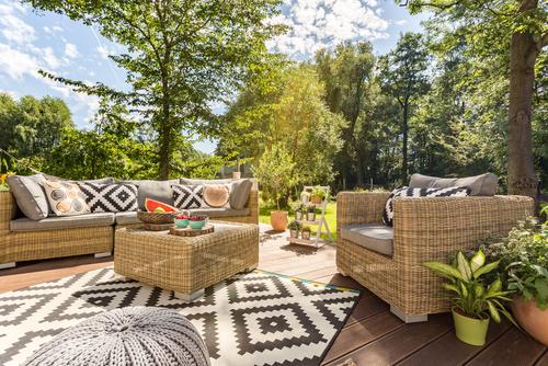 בחירת רהיטי גן איכותיים לבית - שאלות שכדאי לשאול